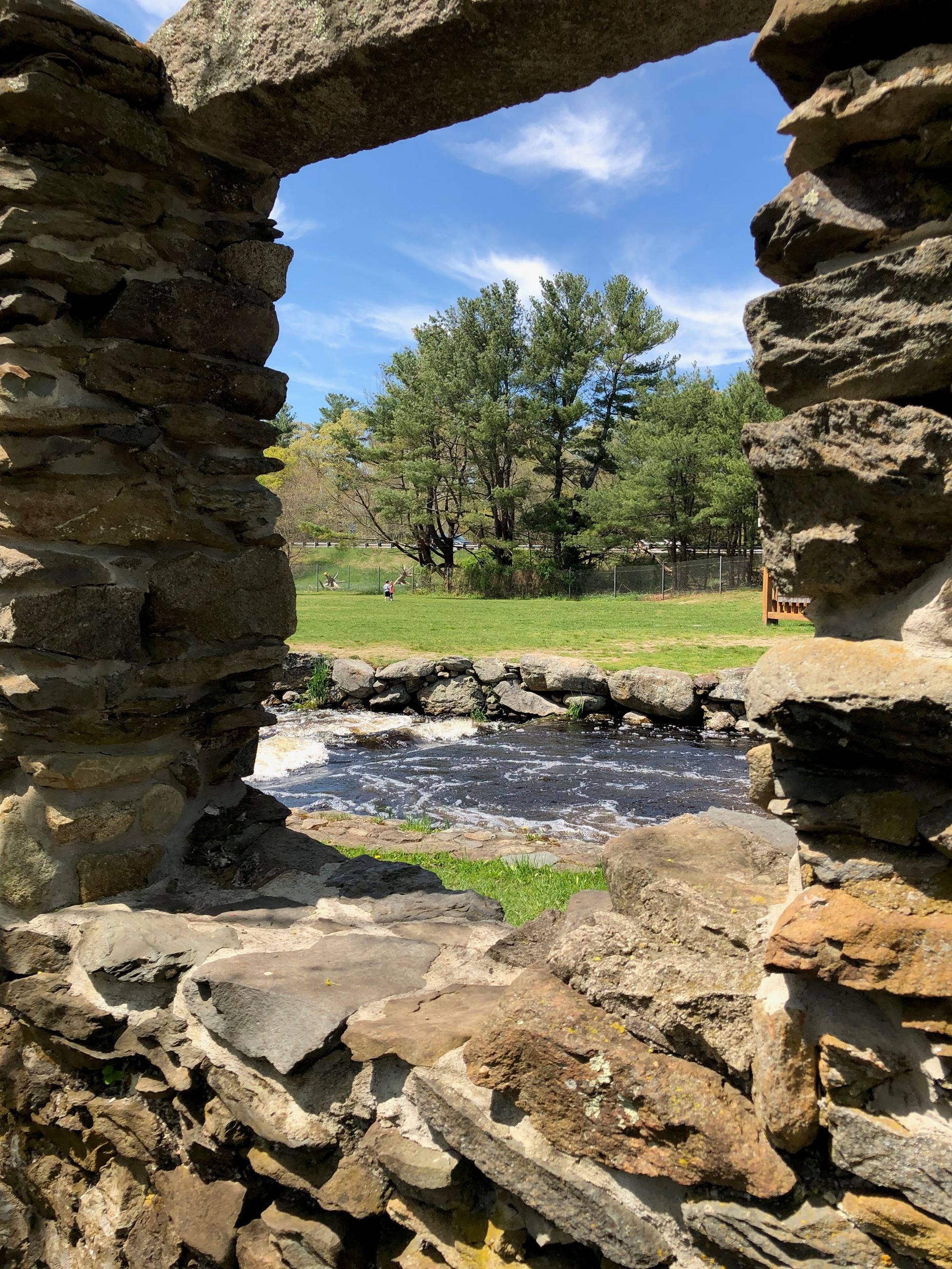 Stone Wall Window at Oliver&#39s Mill Park